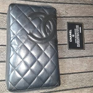Wristlet zipper chanel wallet